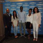Vencedores do concurso em 2012 com os membros da mesa de Juri...