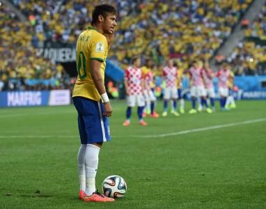 Nike permite que jogue como o Neymar Jr, usando um app de realidade virtual
