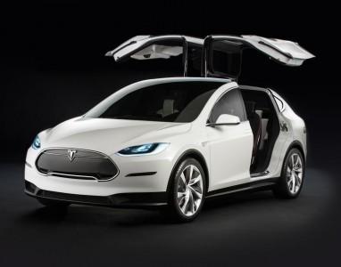 Lançado o carro eléctrico Tesla Model X, com uma autonomia de 413 km