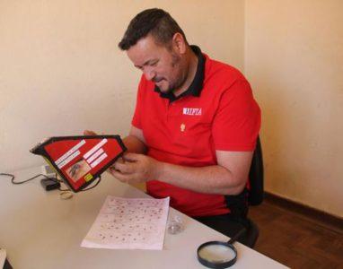 Mecatrónico Angolano apresenta aparelho que captura mosquitos de um modo fácil