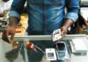 Reparação do Galaxy S3 no mercado dos Congoleses