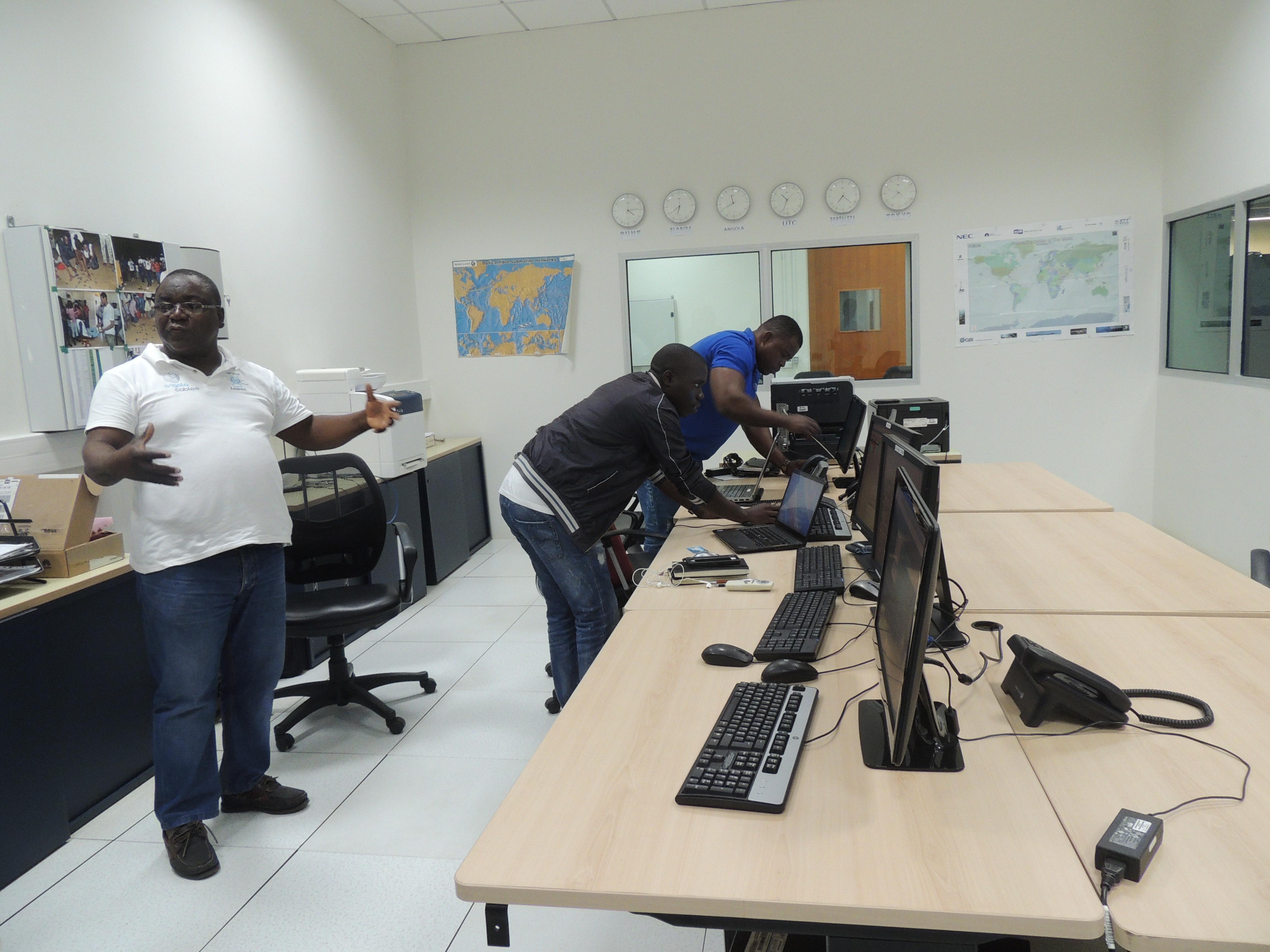 Sala de Controle da Estação de Sangano