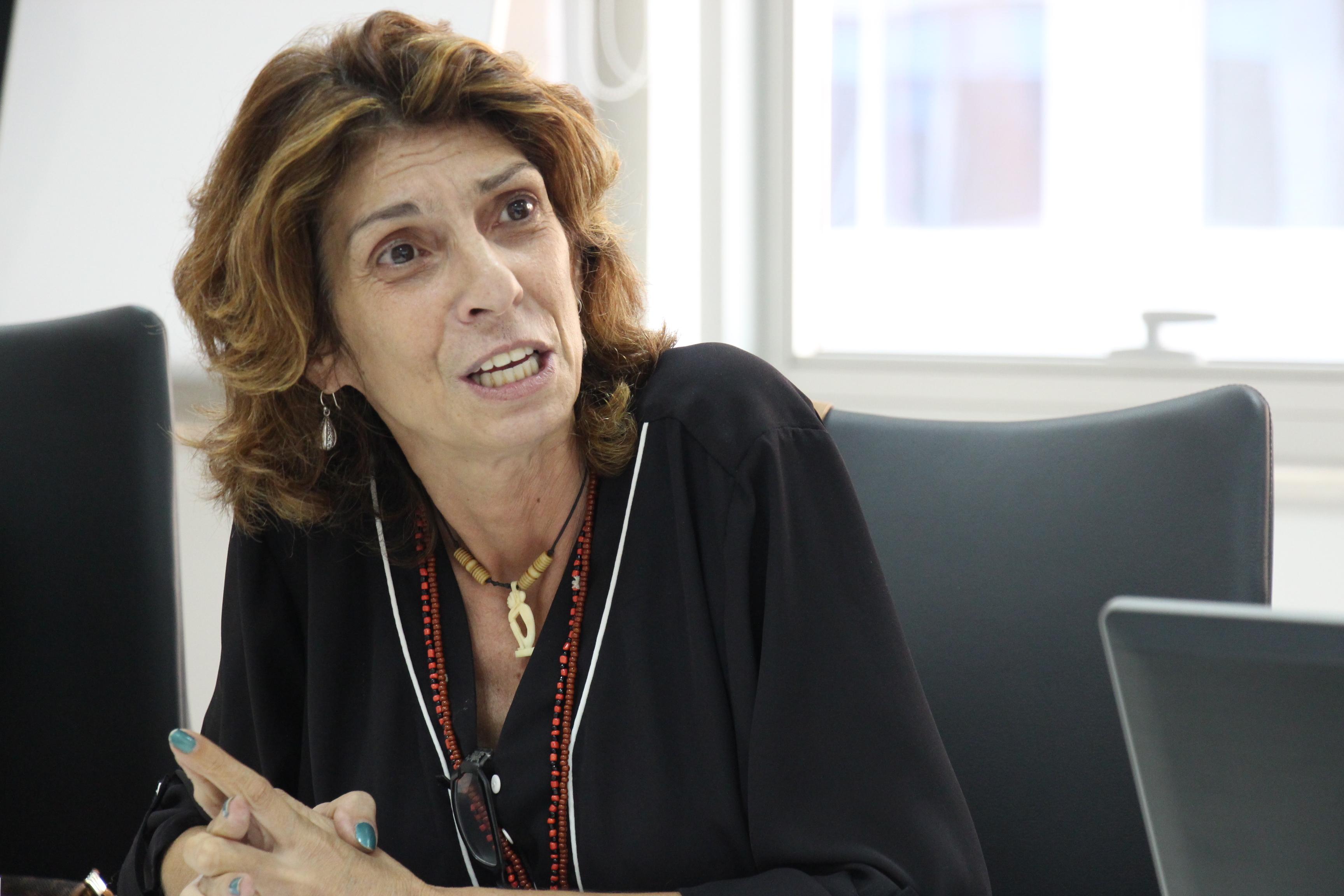Paula Simons - Jornalista da ISENTA