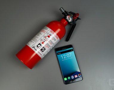 Cientistas desenvolvem bateria de smartphone que inclui um extintor