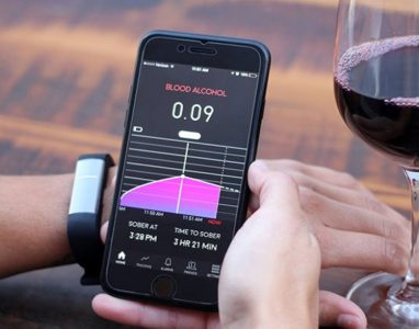 Proof a pulseira tecnológica que avisa se você já bebeu demais