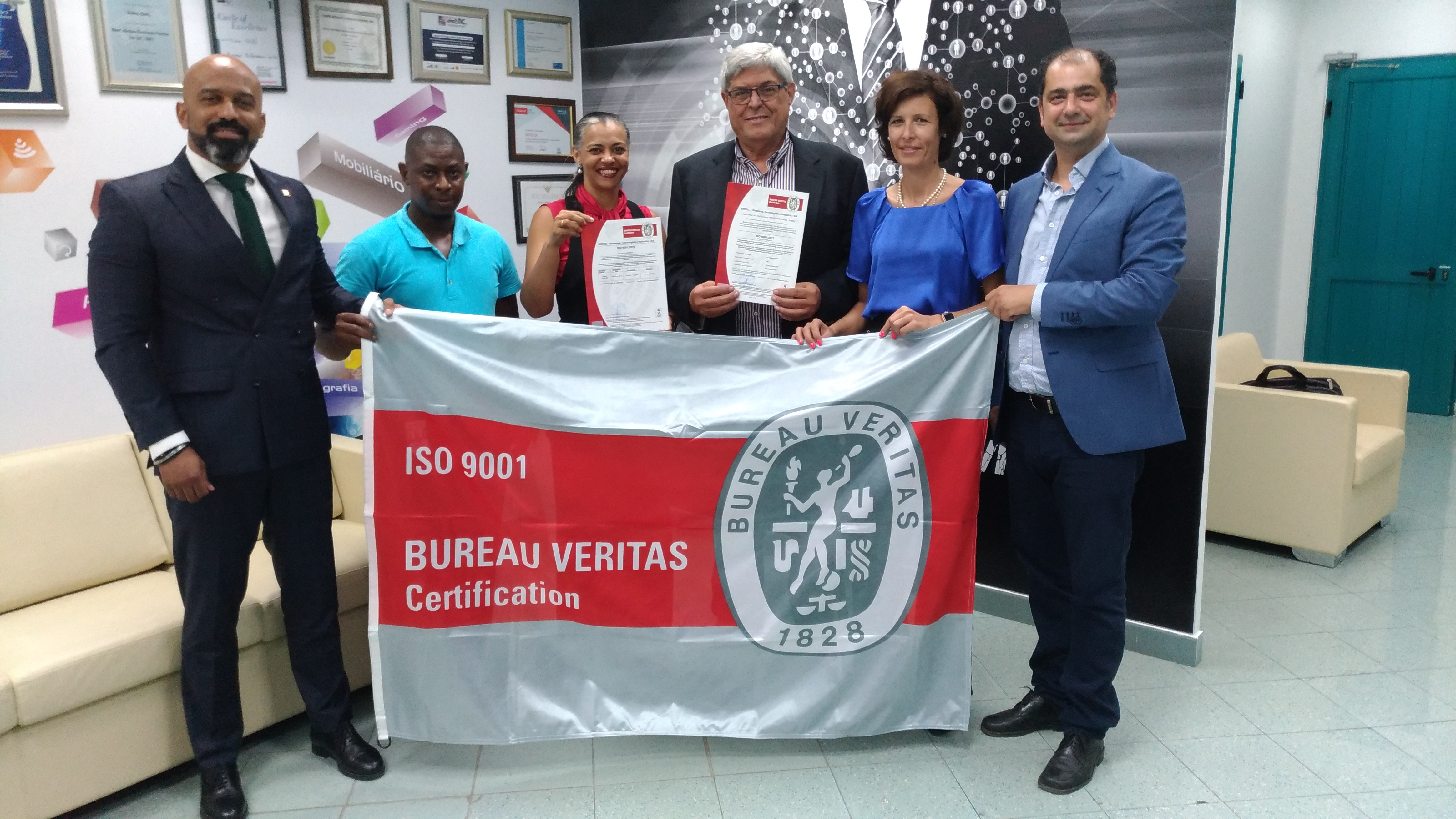 SISTEC wins international ISO 9001 certification: 2015 | Less wires
